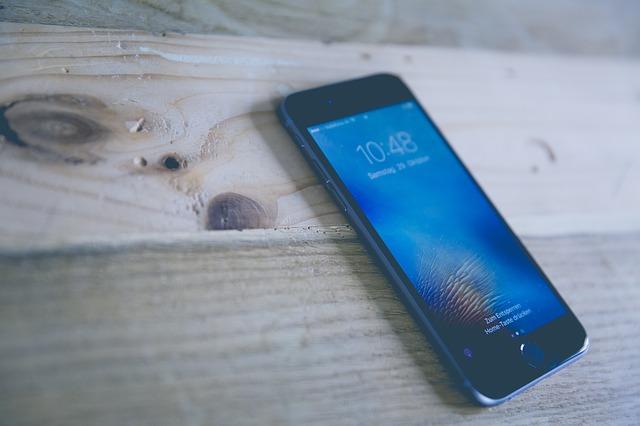 chytrý telefon, dřevo